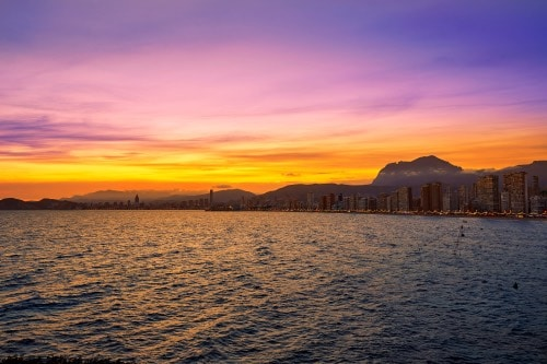 Vlieg naar het mooie Alicante en geniet van de Spaanse zon