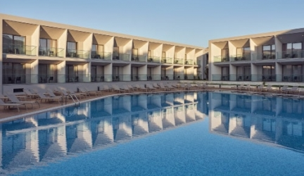 Nazomeren in Zakynthos! Top super all-inclusive 4-sterren hotel. Incl. vluchten